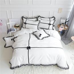 Bedsheet Cotton White Australia - Luxury 100% cotton Bedding set King Queen size 4Pcs White black Wedding Bed set Duvet cover Bedsheet Korean lace bow gift