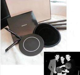 $enCountryForm.capitalKeyWord NZ - 2019 classic Brand 2C small round mirror 6.5cm mirror Portable mirror with packing Box Wedding Gift VIP gift Wedding Gift