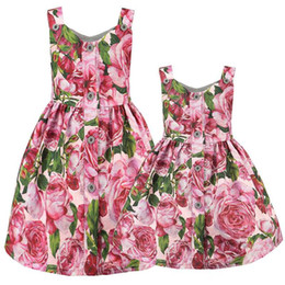 $enCountryForm.capitalKeyWord UK - Mother And Daughter Roses Dresses 2019 Family Matching Clothes Mommy And Me Clothes Mom Daughter Floral Dress