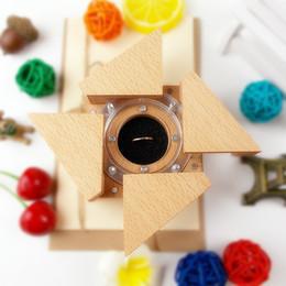 Di buona qualità Scatola di visualizzazione dell'iride meccanico Contenitore di vetrine Contenitore di gioielli Contenitore di orologio da polso Scatola porta orologi Scatola di legno dropshipping