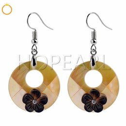 $enCountryForm.capitalKeyWord Australia - Black Flowers Beige Shell Charm Earrings Natural Shell Summer Jewelry Gift Beach Inspired Earrings 5 Pairs