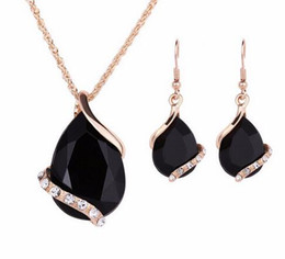 $enCountryForm.capitalKeyWord NZ - Black Crystal Earrings Necklaces Sets Gold Color Jewelry Sets for Women Geometric Design Wedding Jewelry 2PCS Jewelry Sets