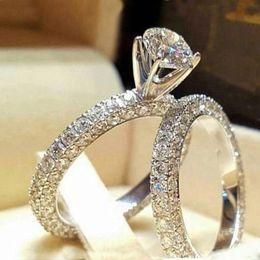 Anel de noivado de casamento de aço inoxidável para amantes ip prata cor cristal casal anéis conjunto mulheres em Promoção