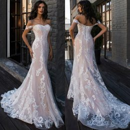 $enCountryForm.capitalKeyWord Australia - Berta 2019 Sexy Off Shoulder Nude And Ivory Mermaid Wedding Dresses Lace Applique Corset Back Sweetheart Summer Beach Wedding Dress Gowns