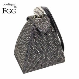 $enCountryForm.capitalKeyWord NZ - Vintage Diamond Bridal Wedding Purse Mini Gray Pyramid Party Handbags Women Bag Wristlets Clutches Crystal Evening Clutch Bags Q190430