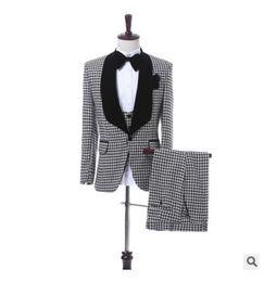 Cheap Men S Tie NZ - Navy Blue Wedding Tuxedos Slim Fit Suits For Men Groomsmen Suit Three Pieces Cheap Prom Formal Suits (Jacket +Pants+Vest+Bow Tie)