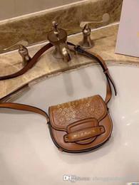 Clamshell Purse Australia - Vintage Genuine Leather Saddle Bag Rivet Clamshell Round Shoulder Strap Bags For Women Handbag With Brand Female Small Designer Tote Purses