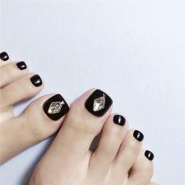 $enCountryForm.capitalKeyWord Australia - Black pure color with golden edge diamond decoration 3d toe nails summer cute false nails for toe short size lady full nail tips