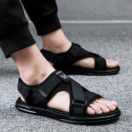 $enCountryForm.capitalKeyWord Australia - UNN Beach Sandals Man Shoes Outdoor Gladiator Slides For Male Summer Thick Sole Non-slip Flip Flops Shoes