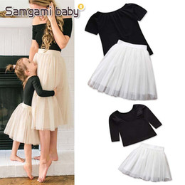 Tutus Sets Australia - Summer Mother and Daughter Clothes Fashion mother and daughter matching outfit princess sets 2pcs T shirt+Tutu skirts Girls suits A2065