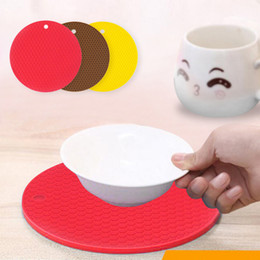 Discount safety gadgets - Table Placemat Heat Resistant Anti-silp Round Silicone Pot Placemat Non Slip Bowl Pads Safety Compact Kitchen Gadgets To