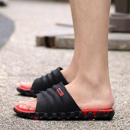 Wholesale Men Slippers Summer Beach Sandals Massage Health Wear Flip Flops Men Outdoor Indoor Slippers Sandals Casual Shoes Black