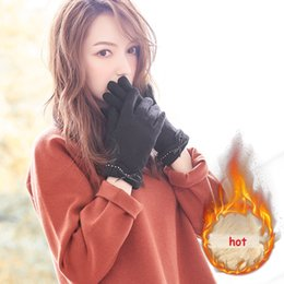 christmas wool mittens UK - Fashion- Winter Warm Woolen Gloves Gloves Christmas Gift Students Outdoor Sports Driving Riding Gloves Full Finger Mittens