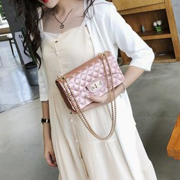 Camel Chain NZ - Decent2019 Mini- Woman Bag Packet Small Real Diamond Lattice Chain Package Ins Exceed Fire Single Shoulder Satchel