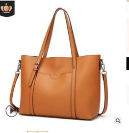 $enCountryForm.capitalKeyWord Australia - 2018 manufacturers supply new fashion single-shoulder cross-body bag hand holding multi-functional female handbag manufacturers direct 002