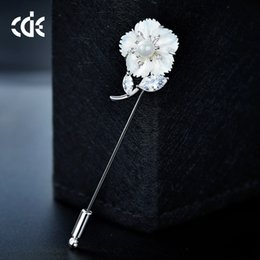 $enCountryForm.capitalKeyWord Australia - Wedding Party beaded pearl gift woman lady diamond jewelry Brooches for bride acting initiation graduation CDE-1465