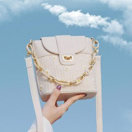 bag for summer NZ - Fashion Straw Shoulder Bag For Women Acrylic Chain Handbag High Quality Daisy Bucket Bag Summer Mini Messenger Crossbody Bags