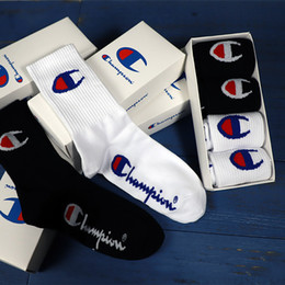 wholesale gift boxes cotton Australia - INS gift box long tube fashion socks black and white men and women cotton sports street fashion skateboarding street dance socks