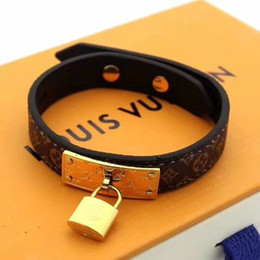 Wholesale Women Bracelet Leather Charm Wristband Bangle Cuffs Fashion Jewelry for Women Christams Gift