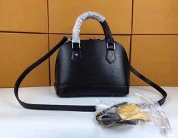 $enCountryForm.capitalKeyWord NZ - 2019 international large-brand leather corrugated small shell lady handbag, brilliant color, matte Design Leather lady bag 40301-9