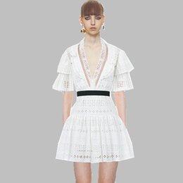 ChiC lanterns online shopping - 2019 New Arrival Self Portrait White Red Lace Mini Dresses Deep Lantern Sleeve Women Dresses Sexy Chic Dress