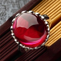 Pigeon Rings Australia - Vintage Elegant Red Ring Exquisite Pigeon Eggs Hollow Wide Chunky Cocktail Ring White Gold Color Women Wedding Jewelry C5T329