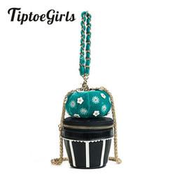 $enCountryForm.capitalKeyWord UK - Summer Creative Bag New Personality Gold Velvet Candy Fairy Ball Handbag Fashion Casual Shoulder Messenger Bag