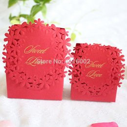$enCountryForm.capitalKeyWord Australia - 500pcs Red Colors Luxury Candy Boxes Laser Cut Sweet Boxes for Wedding Party Favour Box Party Gift Box