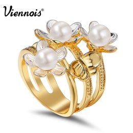 Finger Rings For Girls Australia - ring for Viennois New Gold & Silver Color Triple Flowers Butterfly Wide Rings for Women Girls Simulated Pearl Female Finger Ring Jewelry