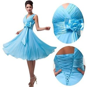 Cheap Knee Length Bridesmaids Dresses with Hand Made Flower Chiffon Short Wedding Party Dresses For Bridesmaid V Neck Bridesmaid Gowns
