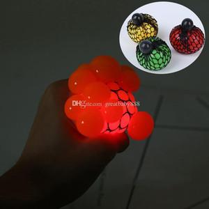 Novità Giocattoli LED Squeeze Ball 6cm Carino Anti Stress Glow Uva Autismo Mood Sollievo Giocattolo Sano Divertente Decompressione Giocattolo Regali C3317