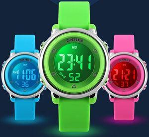 Sept enfants de lumière arrière colorés WR 50M ont mené des montres 1100 de montre-bracelet d'étudiant de montres de sport