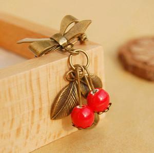Vintage Red Cherry Brosche für Mädchen Original Design Broach Keramikperlen Bronze Bow Pins für Kleid nz02