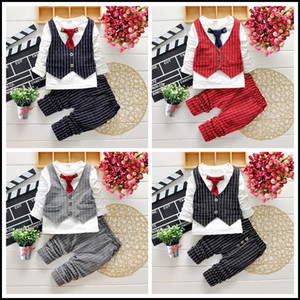 2015 Hot Boys Gentleman Ensemble 2-7y Enfants Automne Costumes Vêtements Tenue 4PCS T-shirt + pantalon + Vest à carreaux + Cravate Livraison Gratuite MOQ: 24sets SVS0490