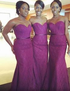 Vestidos de encaje para sirena larga Vestidos de dama de honor púrpuras atractivos 2016 Sin tirantes Las novias de primavera baratas Maid Of Hour Vestidos de noche