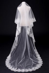 Real Photos de mariée Veils longues Applique mariée Accessoires Blanc d'Ivoire Party Bride Wedding Veils 2021 En stock