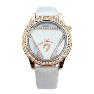 Cristal triangle de style fille de marque de mode féminine cadran en cuir bracelet en cuir montre à quartz GS05