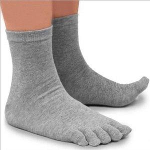 Vente en gros- 1 Paire Automne Hiver Style Chaud Unisx Hommes Femmes Cinq Doigt Pur Coton Toe Chaussette 5 Couleurs Noir / Blanc / Gris / Marine