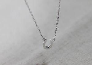 10pcs- N069 Gold Silver Collier Horseshoe Collier Hommes Bijoux Cheval Colliers de sabot Mignon U Collier Petite Paille Simple Paw Colliers