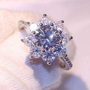 Gift Stunning Women White Sparkling 925 Handmade Sterling Silver Diamond Sapphire CZ Jewelry Gemstones Luxury Wedding Flower Ring Whole Todd