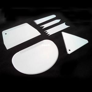 6 adet / takım Plastik Kek Pürüzsüz Kek Kazıyıcı Spatula Seti Hamur Kesici İşlevli Bıçak Kek Noel Pişirme Araçları Için