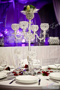 Sıcak satış 5 Arms Gümüş Metal kristal küre ile düğün Candelabras merkezinde