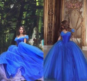 2018 Cenerentola blu scuro da spalla abiti da ballo Puffy Principessa pieghe abiti da sera Tulle Quinceanera speciale abito abito da ballo Abbigliamento ecologico