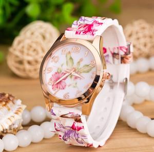 Neue Genf-Armbanduhr-Frauen-Kleid-Uhr-Blumen-Luxus-Genf-Uhr-Silikon-Gelee-Süßigkeits-Rosen-Goldblüten-Quarz passt Sport Watch1551 auf