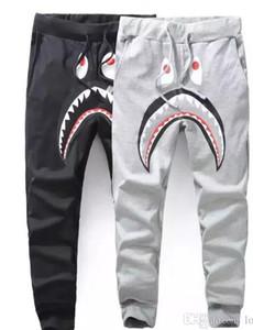 Pantalones de tiburón grises negros de los hombres Pantalones de moda WGM Pantalones Harem Otoño invierno Fleece Ropa deportiva Pantalones largos Jogger Correr Sweatpant
