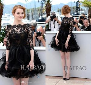 Emma Stone 2017 Festival di Cannes Red Carpet Celebrity Dress Bateau Neck Sheer Mezza maniche Short Little Black Lace Abiti da cocktail