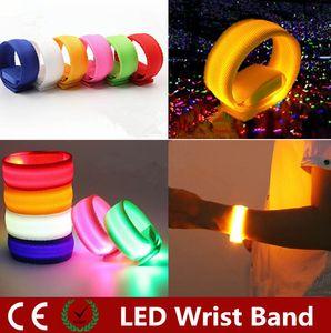 Novelty Iluminação Nylon Banda LED Piscando Arm Banda Strap Armband luz para Esportes Ao Ar Livre Segurança 22 cm Festa Clube Alegria Noite luz