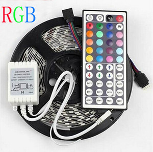 5m RGB LED Strip Light 12V SMD5050 300 LED Strips + 44Keys Remoteer Remoteer Non impermeabile Vacanze Decorazione di nozze Luci CE Rosh MOQ20