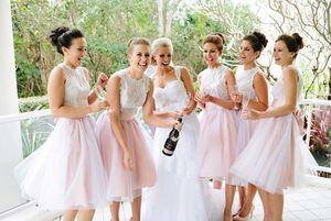 2016 Nueva Barato Baby Pink Vestidos de dama de honor Jewel Neck Lace Tulle Sheer Maid Of Honor Vestidos Para Boda Una línea Longitud de la rodilla Tallas grandes