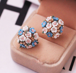 Christmas New Design Pretty Ceramic Rose Flower with Czech Rhinestones Stud Earrings For Women Gold Plated Fashion Summer Jewelry